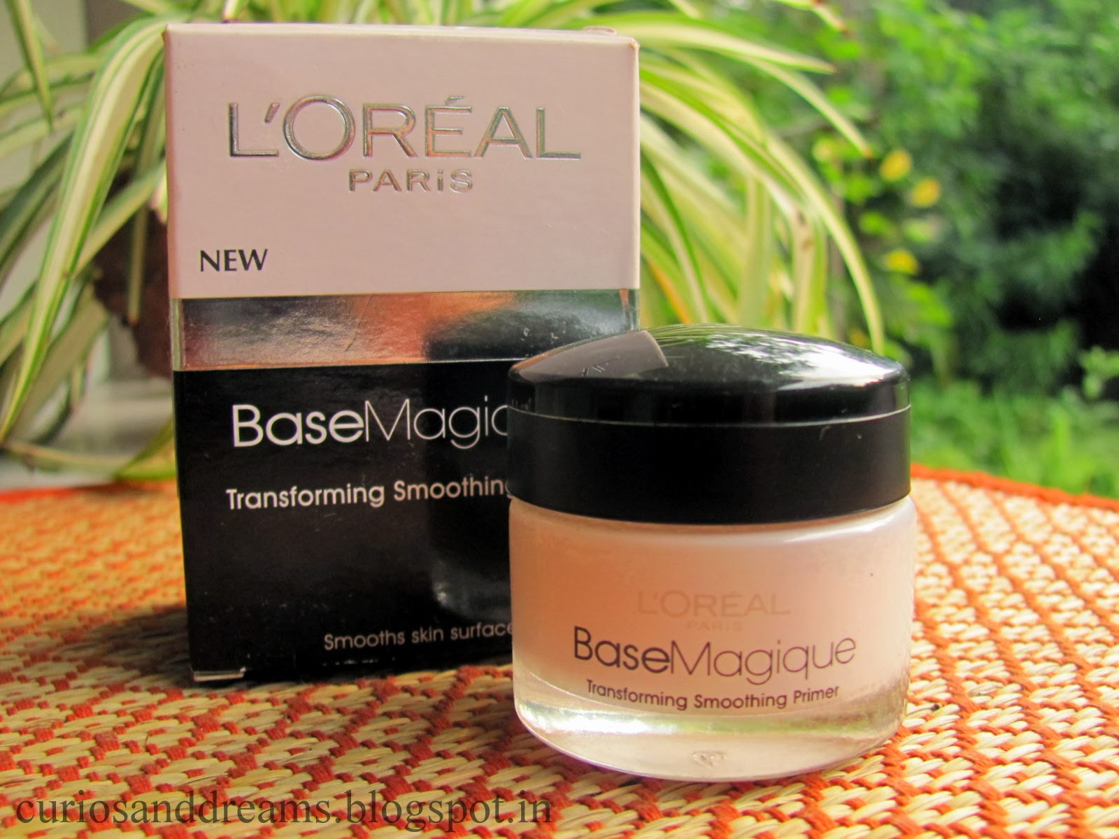 Loreal Primer review , L'oreal Paris Base Magique Transforming Smoothing Primer Review