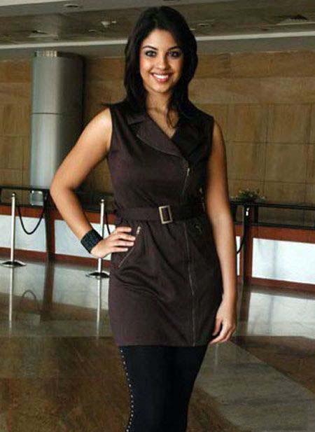 Actress Richa Gangopadhay Throwback Pics Actress Trend