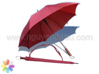 Quà tặng ô dù cầm tay, ý nghĩa và tầm ảnh hưởng của việc tặng ô dù in logo thông tin thương hiệu