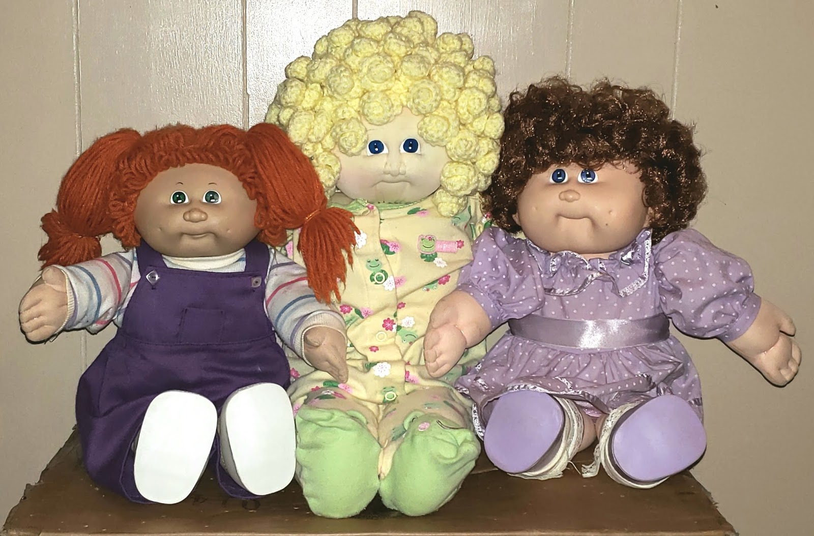 Confessions of a Dolly Lover: Under the cabbage leaf: Coleco preemie vs.  Jakks Pacific newborn