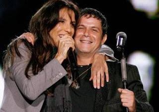 Ivete Sangalo abraçada com Alejandro Sanz