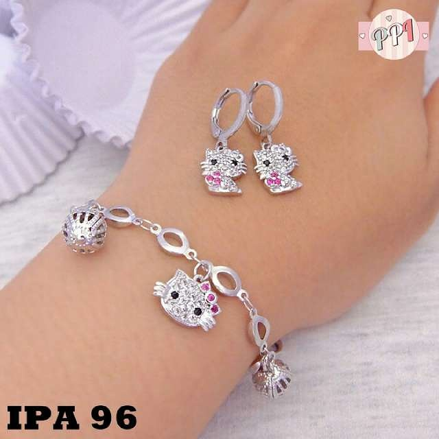 Set Perhiasan Gelang Amp Anting Hellokitty