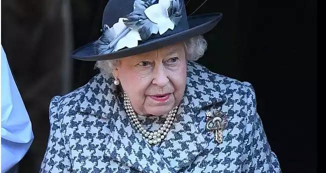 Παραιτήθηκε η επικεφαλής οικονόμος της βασίλισσας έπειτα από 32 χρόνια