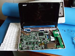 Motherboard  Laptop Mati Total akibat Tegangan listrik yang Tidak Stabil