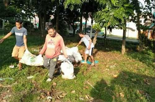 pola hidup bersih dan sehat atasi sampah plastik