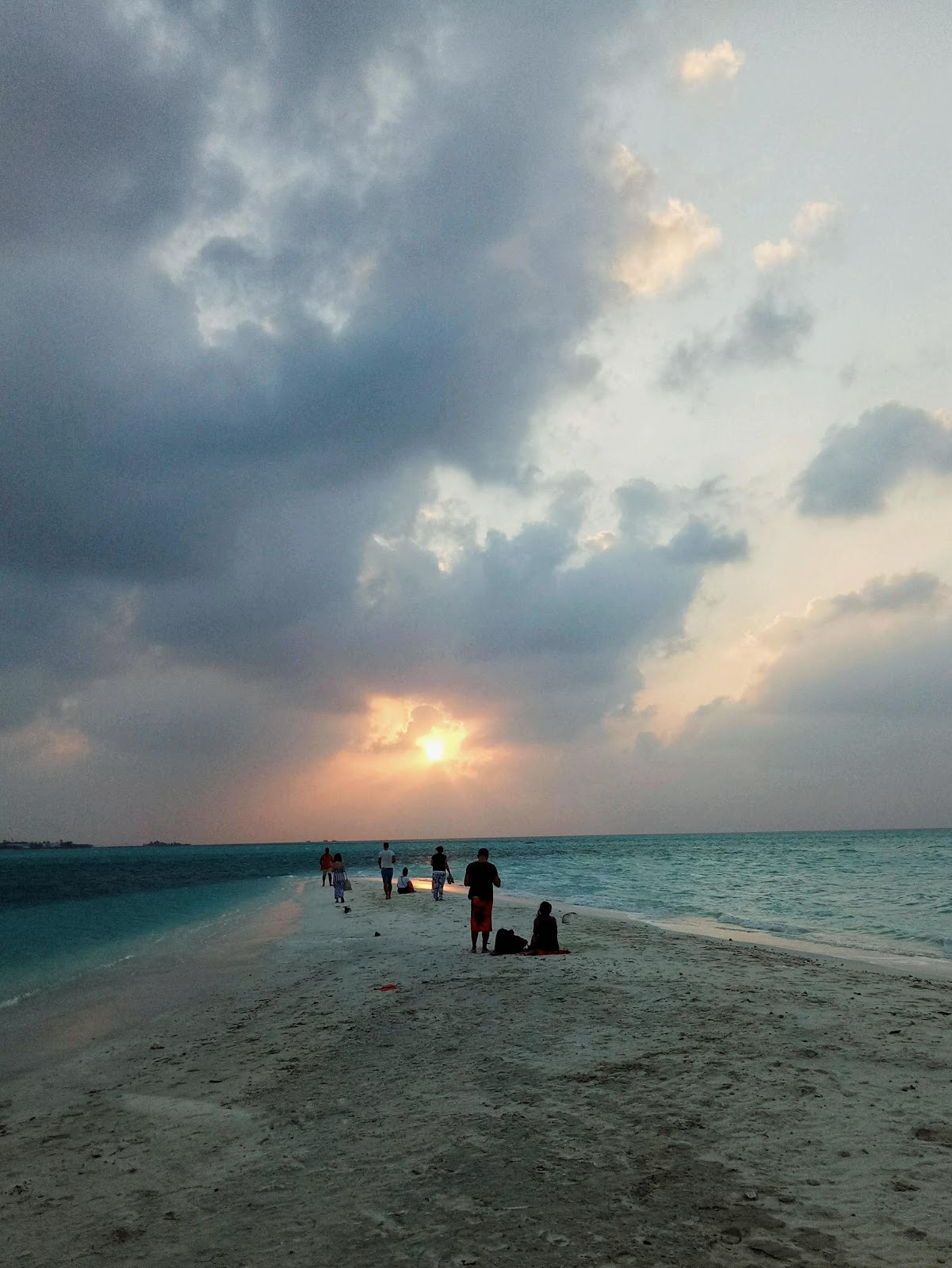 Thulusdhoo sunset