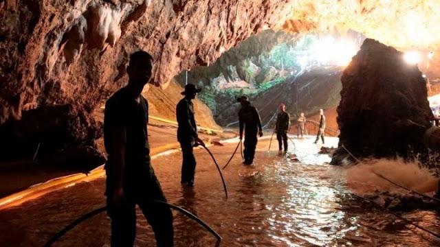 Μάχη με τον χρόνο για τον εντοπισμό 15 ανθρακωρύχων σε πλημμυρισμένο ορυχείο