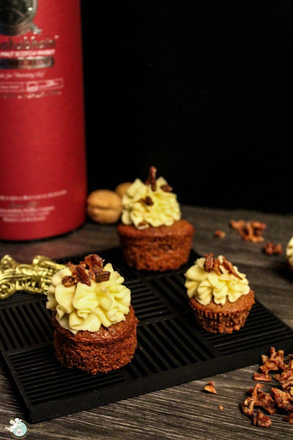 Ahornsirup-Walnuss-Speck-Whisky-Cupcakes