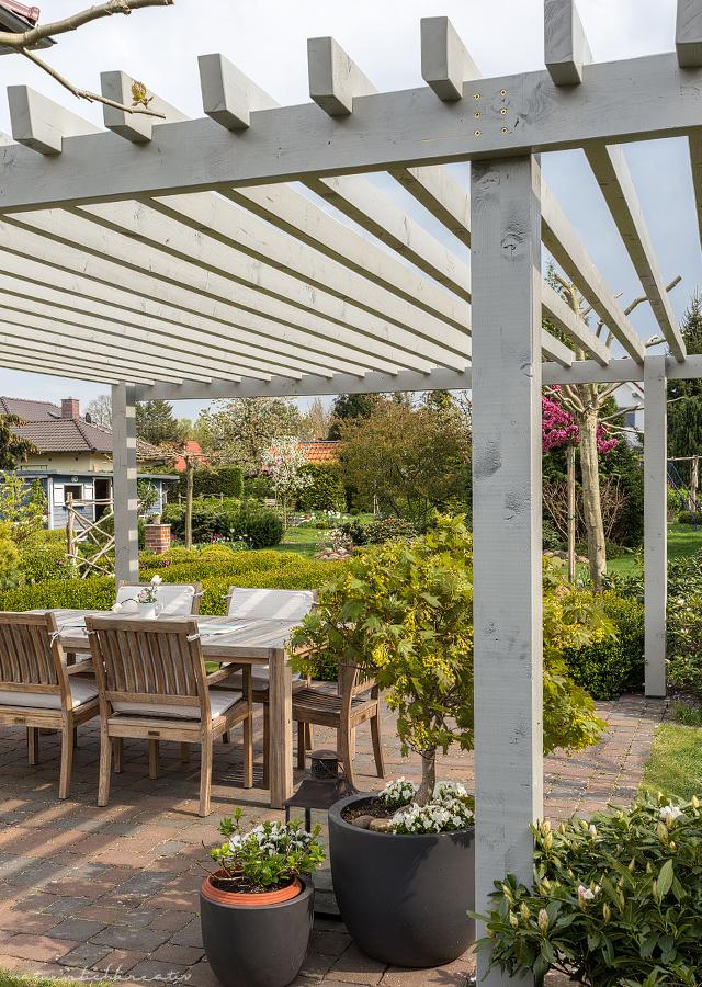 Natuerlichkreativ terrassen berdachung for Pergola modern selber bauen