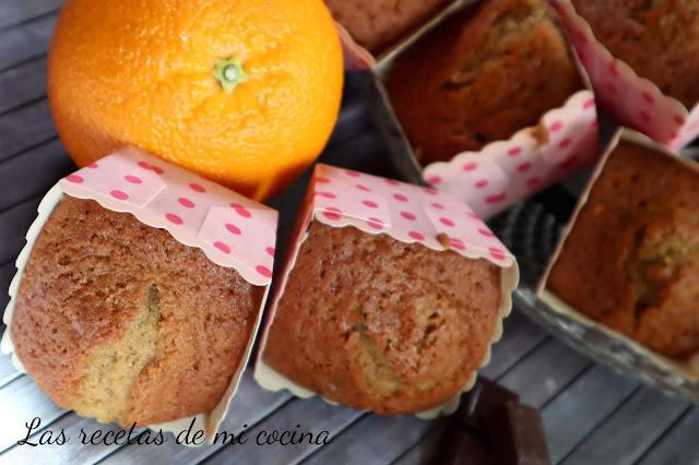 Magdalenas de Naranja y toque de chocolate