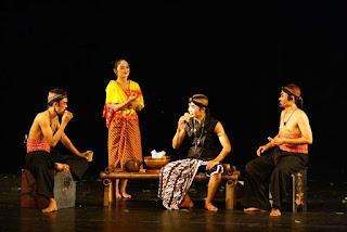 Memperjelas Perbedaan Teater Modern dan Tradisional