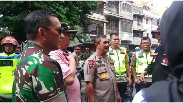 Kapoldasu Irjen Pol Agus Andrianto saat memberikan keterangan pers.