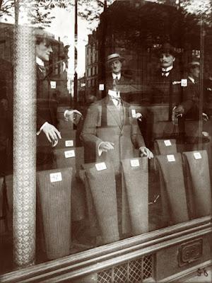 "Eugène Atget Série ""Vitrines"" Magasin Avenue des GOBELINS 1925"