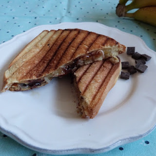 https://danslacuisinedhilary.blogspot.com/2015/08/crocbrioche-banane-chocolat-banana.html