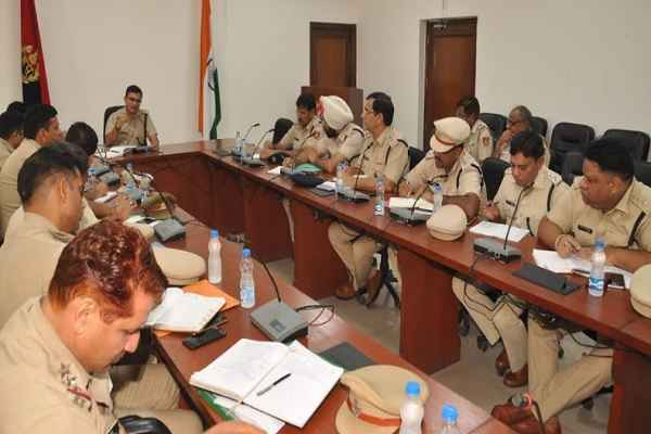 faridabad-police-meeting-with-inter-state-police-officer-for-election