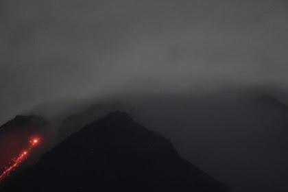 Selama 6 jam gunung Merapi mutahkan 14 kali lava pijar