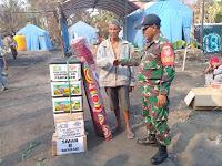 Koramil Pandawan dan SWK Serahkan Bantuan Kepada Korban Kebakaran