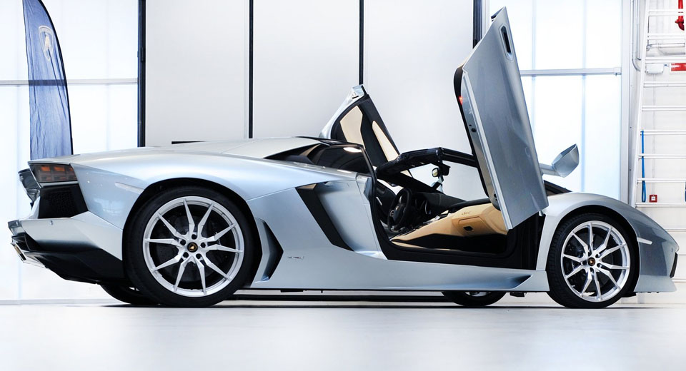 the carscoops guide to supercar doors. Black Bedroom Furniture Sets. Home Design Ideas