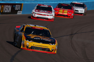 Daniel Hemric (#21 South Point Hotel & Casino Chevrolet) leads a  pack of cars during the NASCAR Xfinity Series Event