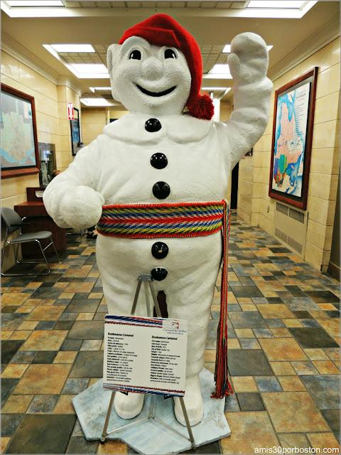 Bonhomme Carnaval es la Mascota del Carnaval de Invierno de Quebec
