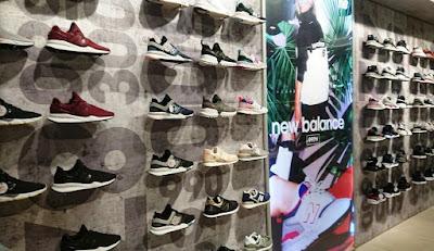 Outlet store New Balance, Fila, Asics, Skechers di Surabaya