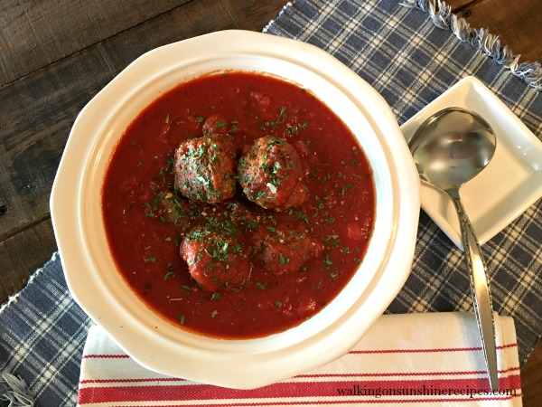 Slow Cooker Tomato Sauce with Meatballs from Walking on Sunshine
