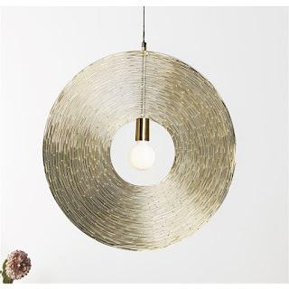 lampara de varillas doradas