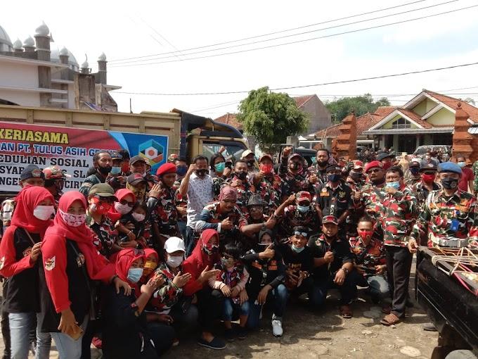 LMPI Cirebon Raya Baksos di Desa Slangit