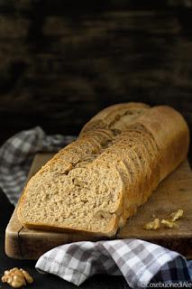 pane ai cinque cereali con noci