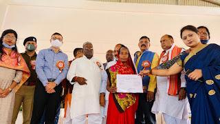 अंतरराष्ट्रीय महिला दिवस के मौके पर हुए कार्यक्रम, प्रदेश मंत्री दारा सिंह चौहान ने दीप जलाकर किया उद्घाटन