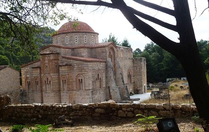 Η θέση φαίνεται ότι λειτουργούσε ως λατομείο κατά τη Ρωμαϊκή περίοδο και.