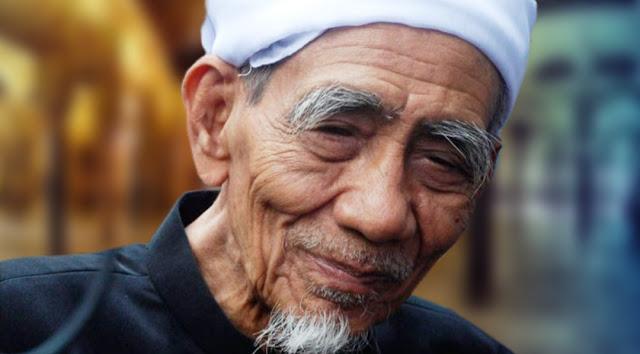 Innalillahi, Mbah Maimoen Zubair Wafat di Mekah