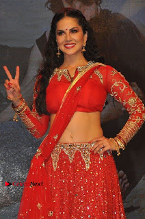 Bollywood Actress Model Sunny Leone Dance Performance in Red Half Saree at Rogue Audio Launch 13 March 2017  0100.jpg
