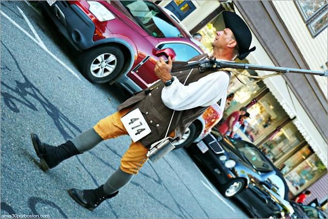 Soldado Solitario en el Desfile del 4 de Julio en Rockport