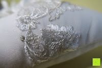 Blumen: Hochzeit Ringkissen mit Satin Bogen 21cm* 21cm