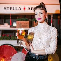 Celeste Cid en la gran Mesa Compartida de Stella Artois