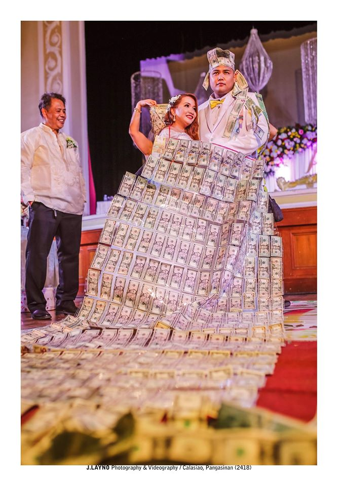 Couple receives a total of Php844,000 in cash for money dance