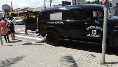 'Carro 13' da Guarda Municipal de Jundiaí atrai grande público na Vila Arens