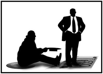 """Silhuettikuva """"lakki kourassa"""" istuallaan avunaneliasta seisovan miehen vierellä."""