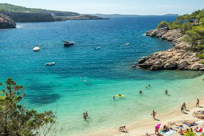Warga Inggris beralih dari Spanyol ke tujuan liburan alternatif