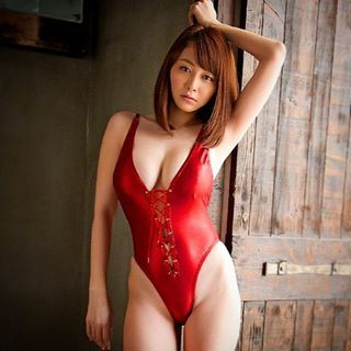 Oh Ini… 5 Foto Anri Sugihara, Artis Seksi Jepang Mau ...
