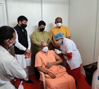 सांसद मनोज कोटक के प्रयासों से उभामो के पदाधिकारियों का टीकाकरण | #NayaSaberaNetwork