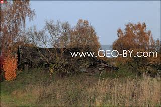 Vialikaja Rajoŭka. The abandoned, collapsing village hut