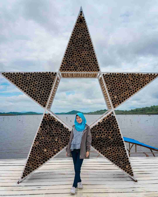 Danau Laet : Hiasan Bambu
