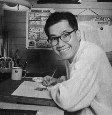 Biografi Akira Toriyama - Pembuat Komik Dragon Ball     Akira Toriyama lahir di Prefektur Aichi, Jepang, tanggal 5 April 1955, dia merupakan salah satu mangaka legendaris di Jepang dan bahkan dunia. Ia banyak menelurkan karya-karya hebat, di antaranya Dragon Ball, Fox Tale, dan Blue Dragon. Ia juga pernah membuat karakter untuk permainan video yang kemudian diangkat juga ke dalam manga dan anime, yaitu Dragon Quest. Akira Toriyama memulai debutnya pada tahun 1979 dengan karyanya yang berjudul Wonder Island, diterbitkan oleh Shonen Jump mingguan. Pertama kalinya ia mendapat ketenaran melalui manga dan serial anime Dr. Slump yang awalnya terbit sebagai serial mingguan di Shonen Jump pada tahun 1980-1984.     Di tahun 1982, beliau mendapatkan Shogakukan Manga Award untuk Dr. Slump sebagai manga terbaik untuk kategori Shonen and Shojo Manga Series of the Year. Sulit untuk menentukan sumber inspirasi dari karya seni Akira Toriyama, ia sangat mengagumi Astro Boy karya Osamu Tezuka dan terkesan dengan Walt Disney di antaranya 101 Dalmantians yang ia ingat sebagai karya seni besar. Film-film awal Jackie Chan juga memiliki pengaruh yang nyata pada karyanya. Menariknya karya karya mangaka lainnya justru dipengaruhi oleh karya Akira sensei. Mangaka seperti Yoshihiro Togashi (Hunter