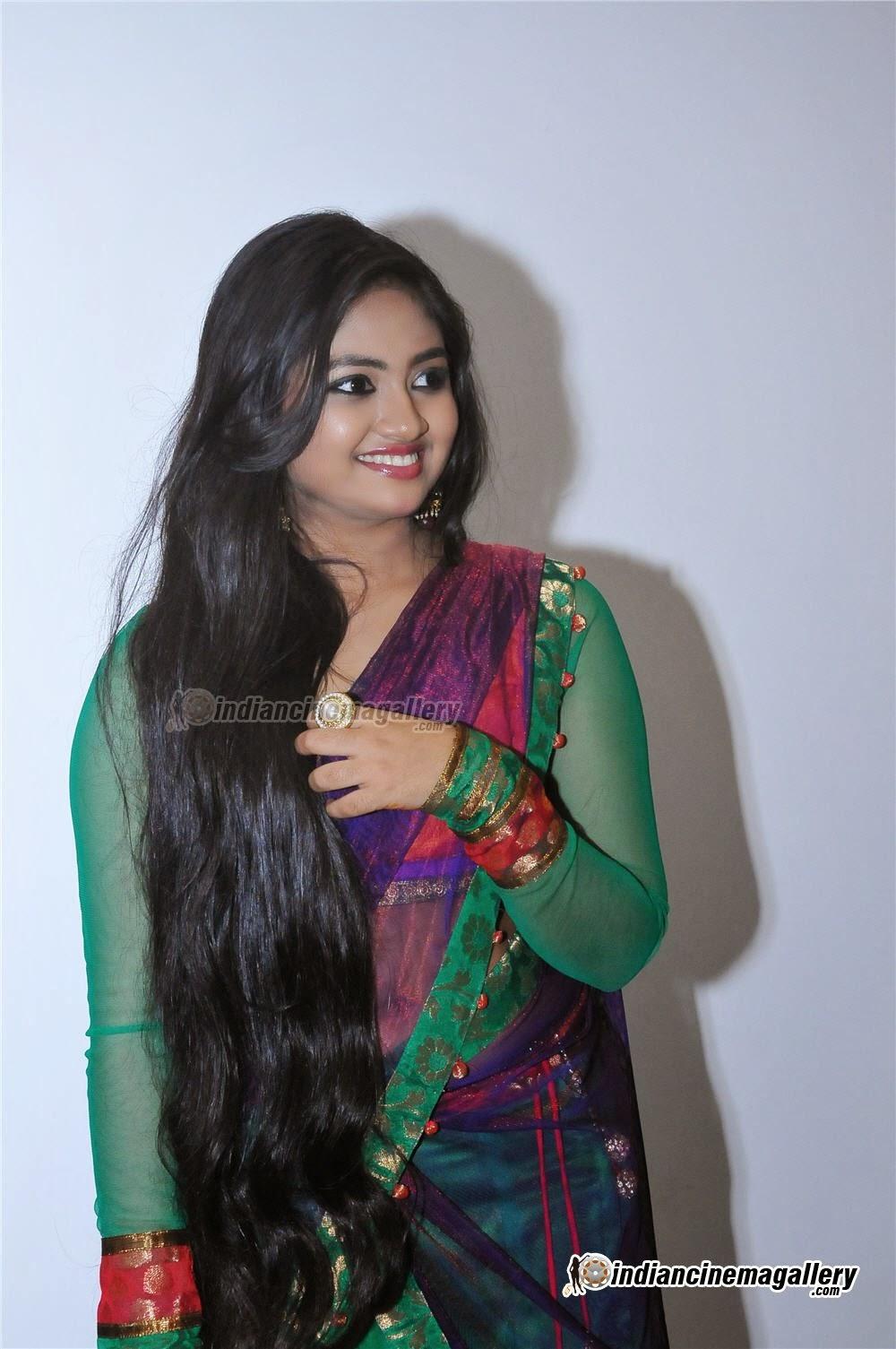 Shalin Hot Navel Show Hd Billeder på Samvritha Sunil Wedding-7297