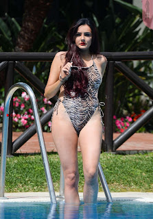 Sarah-Goodhart-In-Swimwear-On-holiday-in-Marbella-02+%7E+SexyCelebs.in+Exclusive.jpg