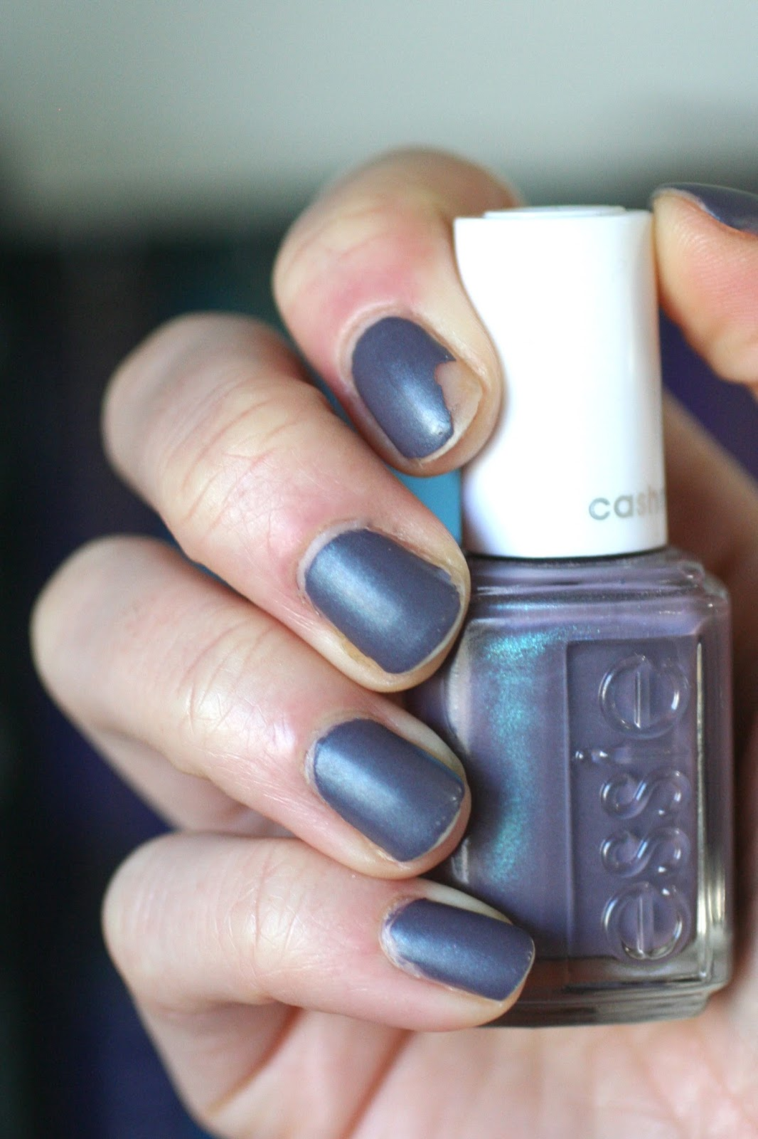 Essie Coat Couture (Cashmere Matte) : Review, Wear Test & Making It ...