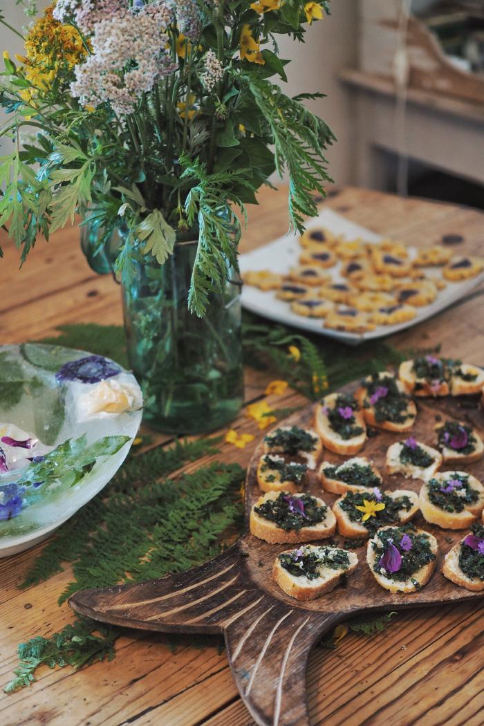 Cueillette et cuisine autour des plantes sauvages