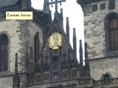 praga-turnurile-bisericii-sf-maria-din-tyn
